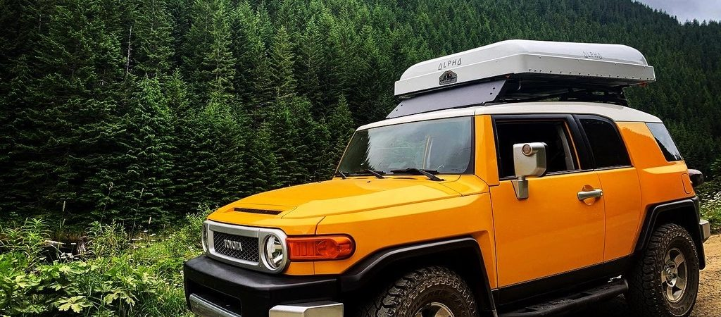 Two-Seat from the Jump | 2010 Toyota FJ Cruiser